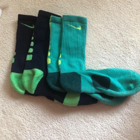 2 pairs of Nike elite socks